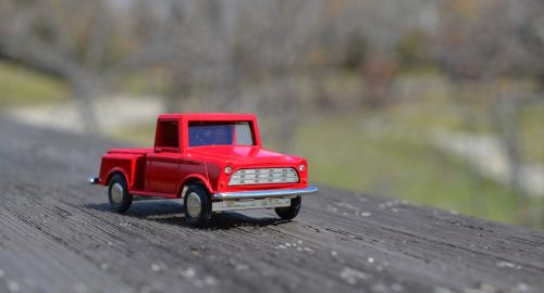 truck red toy