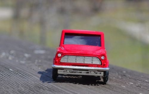 truck front red