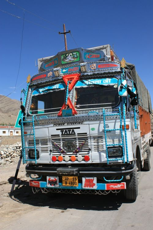 truck india overloaded