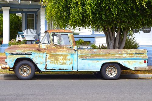 truck pick-up rusty