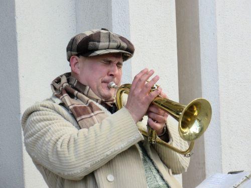 trumpeter musician street music