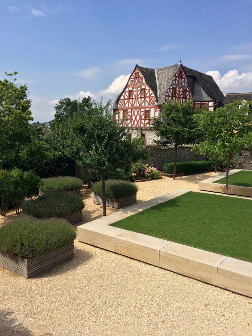 truss limburg garden