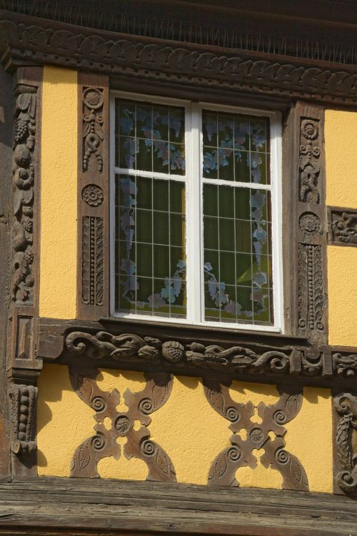 truss window france