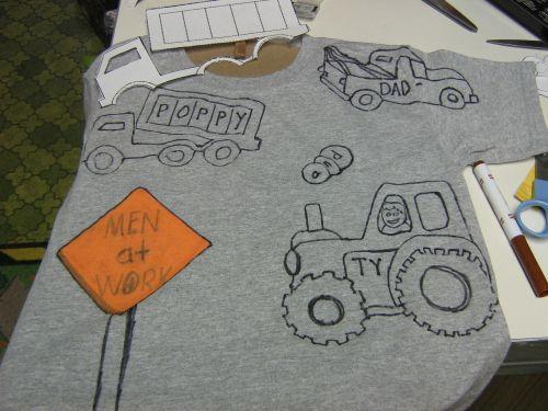 marškinėliai,t-shirt,amatų,marškinėliai,dažyti,dažymo knyga,trafaretas,sunkvežimiai,vyrai darbe,vaikai,amatų darbas