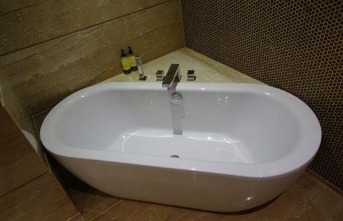 tub bathtub bathroom