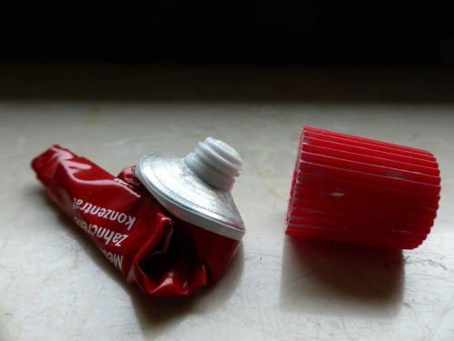 tube toothpaste aluminium