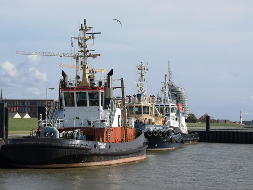 tug  port  bremerhaven