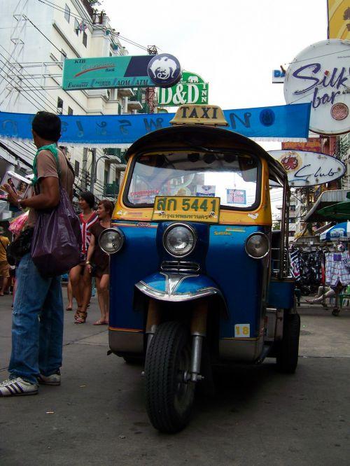 tuktuk bangkok transport