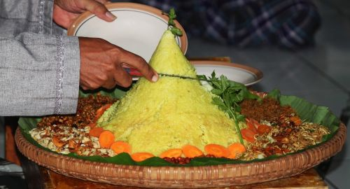 tumpeng traditional food indonesian food