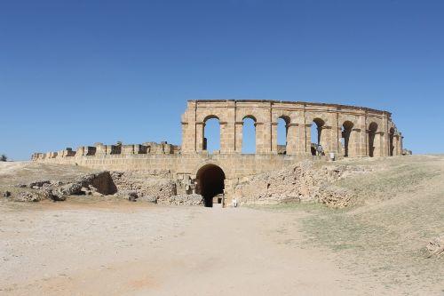 Tunisas,udna,romėnų imperija,griuvėsiai,romėnų griuvėsiai,senovės,istorinis,amfiteatras,senoviniai pastatai,architektūra,turizmas,rodyti vietą,senovė,istorinė architektūra,romėnų
