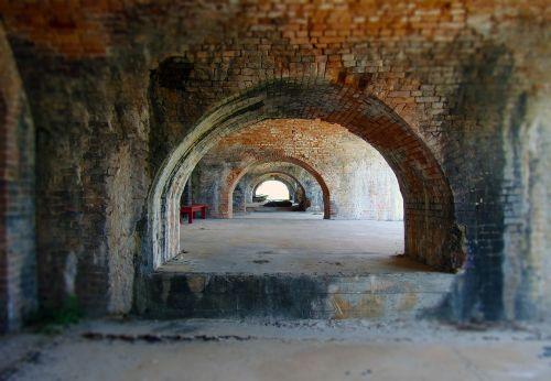 tunnel arch bricks