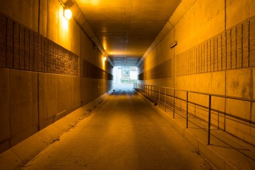 tunnel yellow concentration