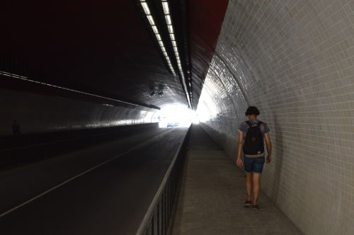 tunnel leave track