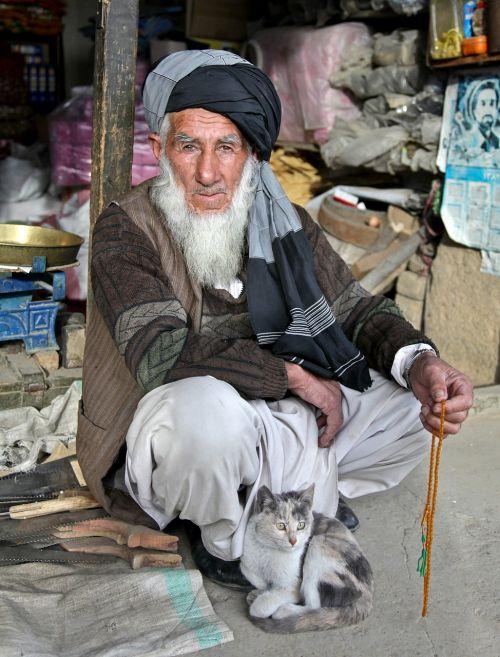 turban bedouin man