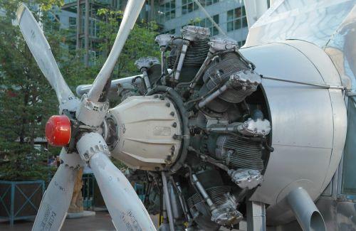 turbine aircraft motor