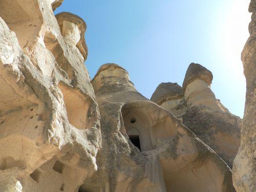 Turkija,cappadocia,fėjų dūmtraukiai,urvų būstuose,uolų bažnyčios