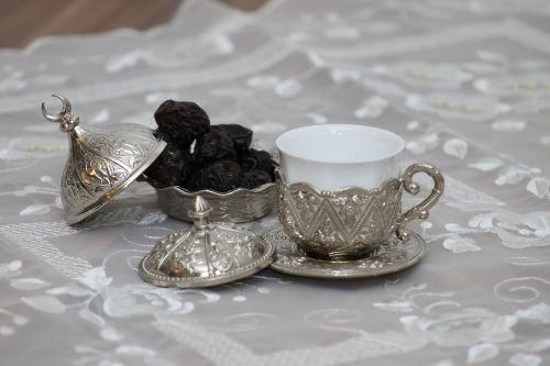 turkish mocha dates drink