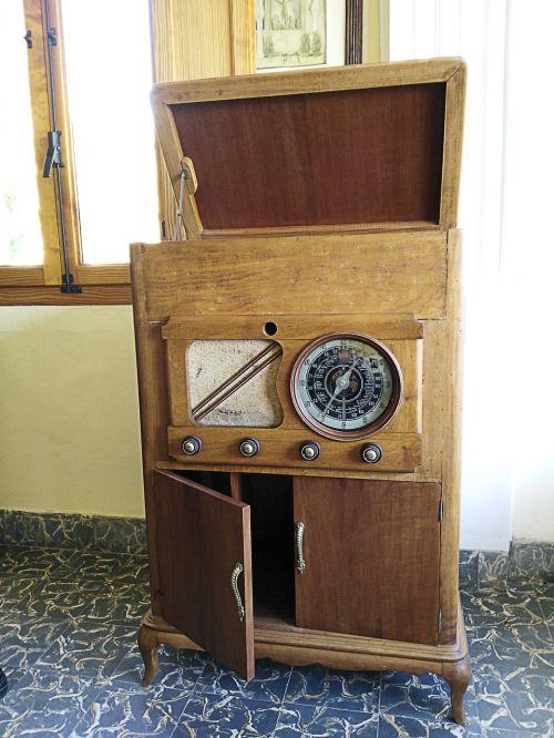 turntable radio old