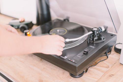 turntable vinyl record