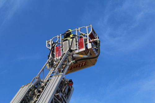 turntable ladder fire ladder