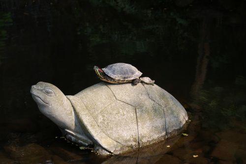 turtle statue creatures