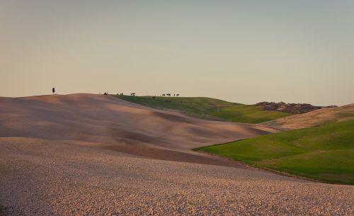 tuscany landscape rest