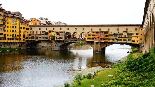 tuscany florence bridge