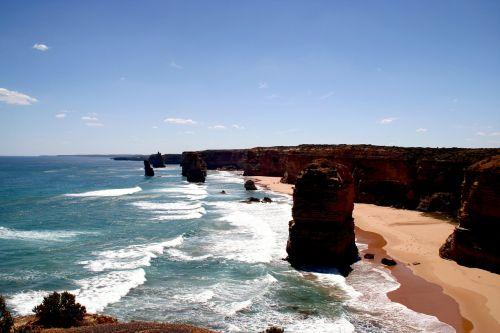 twelve apostles coast sea