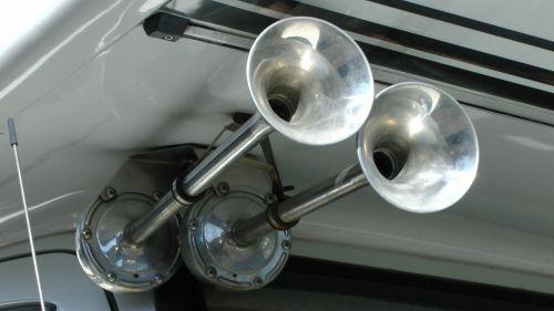 Twin Air Horns