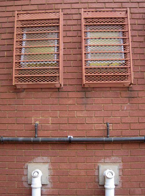 langai, vamzdžiai, Santechnika, eksterjeras, siena, plyta, dvigubi išoriniai langai