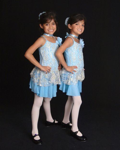 twins girls recital