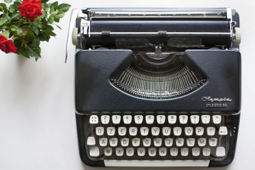 typewriter rose journalist