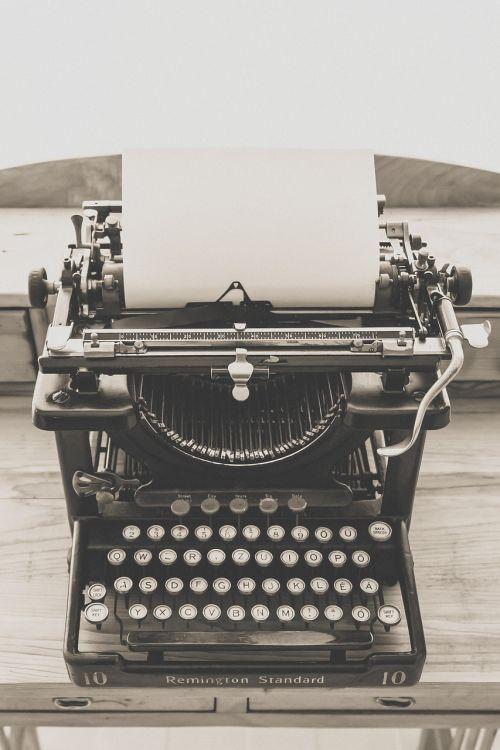 typewriter vintage old
