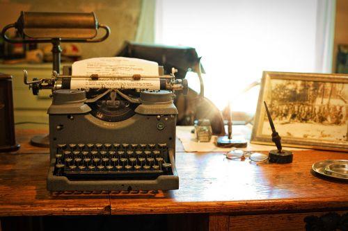 typewriter desk vintage