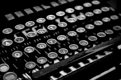 typewriter antique vintage