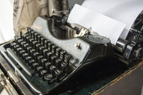 typewriter  the text of the  journalism