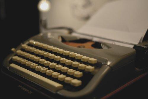 typewriter  mechanical  retro