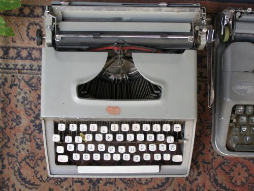 typewriter vintage antique
