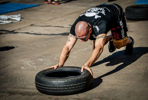 tyre push tyre workout training