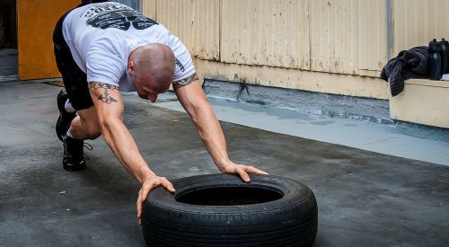 tyre push tire push crossfit