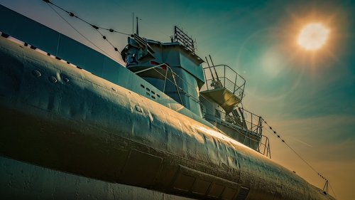 u boat  guns  tower