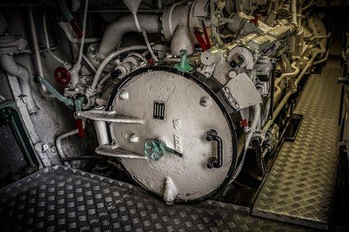 u boat  torpedo tube  closed