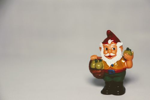 überraschungseifigur dwarf garden gnome