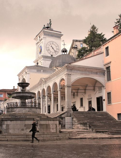 udine old town meeting point