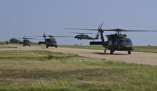 uh-60 blackhawks army aviation