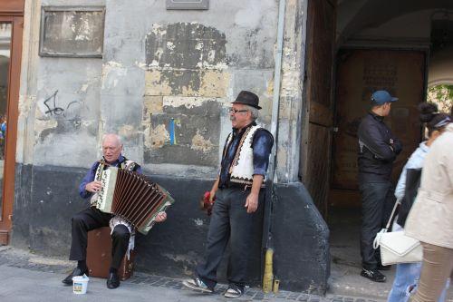 ukraine lviv street musicians
