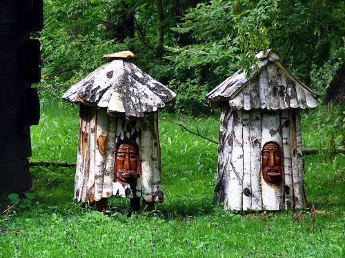 ule sculpture bees