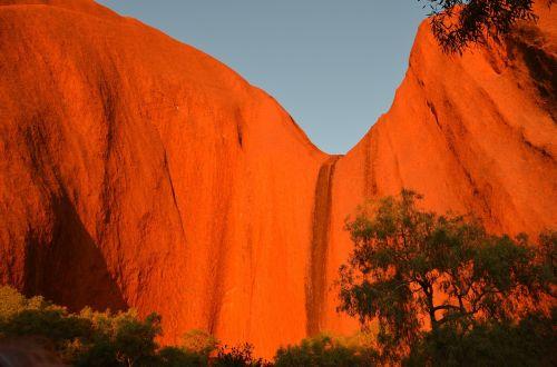 uluru red rock aboriginal