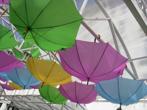 umbrellas composition installation