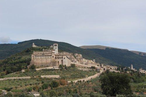 umbria  assisi  basilica